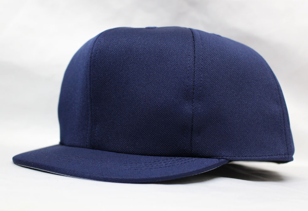 野球の主審用の帽子です。 アンパイヤキャップ